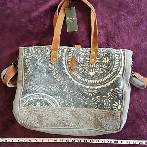 Myra Bag Abridge Upcycled Canvas Cowhide Weekender Bag S 1518 Ebay Find new and preloved myra bags items at up to 70% off retail prices. details about myra bag abridge upcycled canvas cowhide weekender bag s 1518