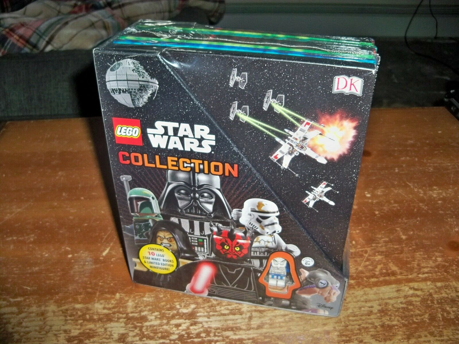 LEGO STAR WARS Collection -- 10 Books With Limited Minifigure -- New Sealed RARE