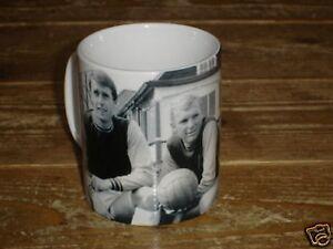 Bobby-Moore-Hurst-Peters-FANTASIC-West-Ham-Utd-MUG