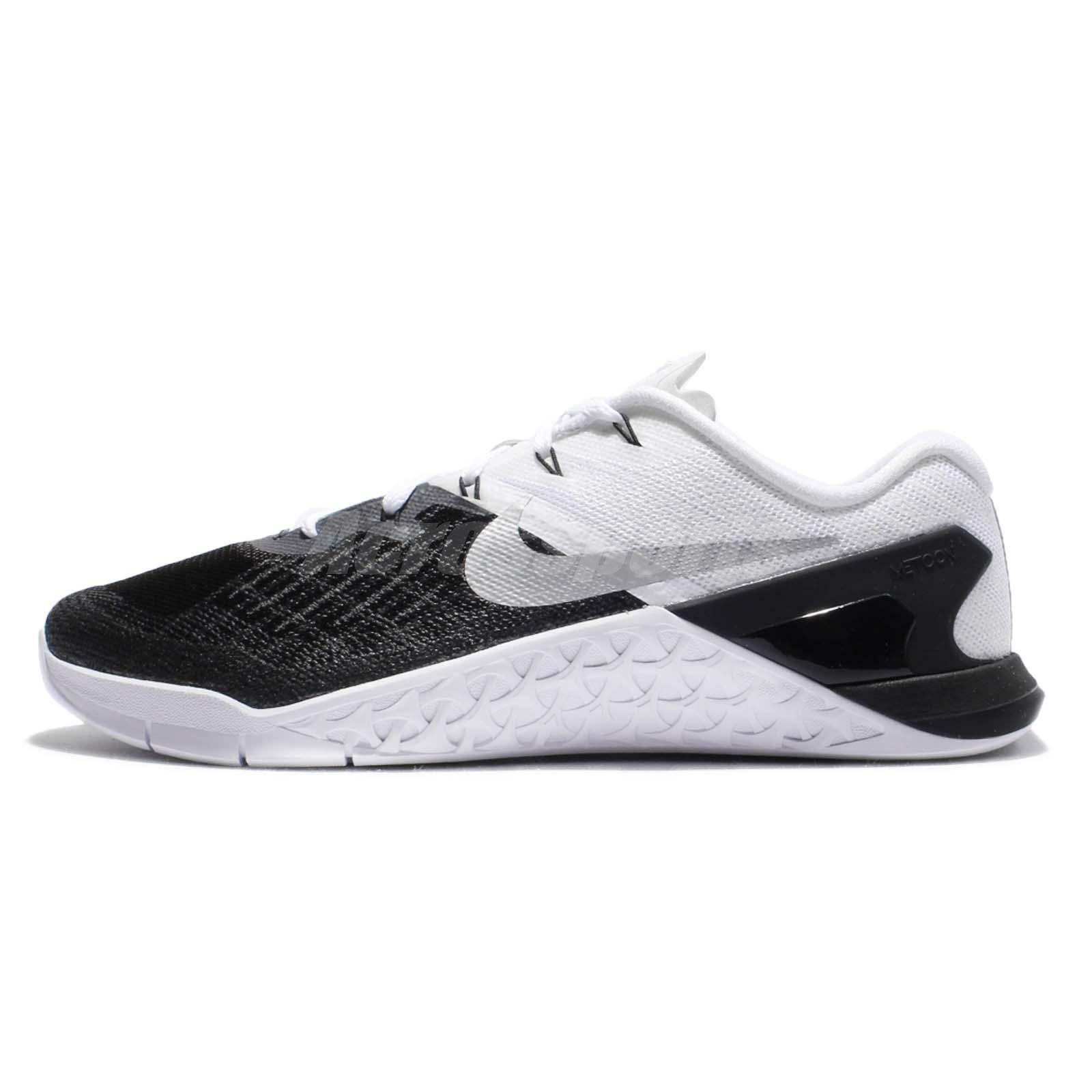 les hommes metcon 3 formation taille chaussures nike taille formation 7 noir blanc 852928 005 8a90c8