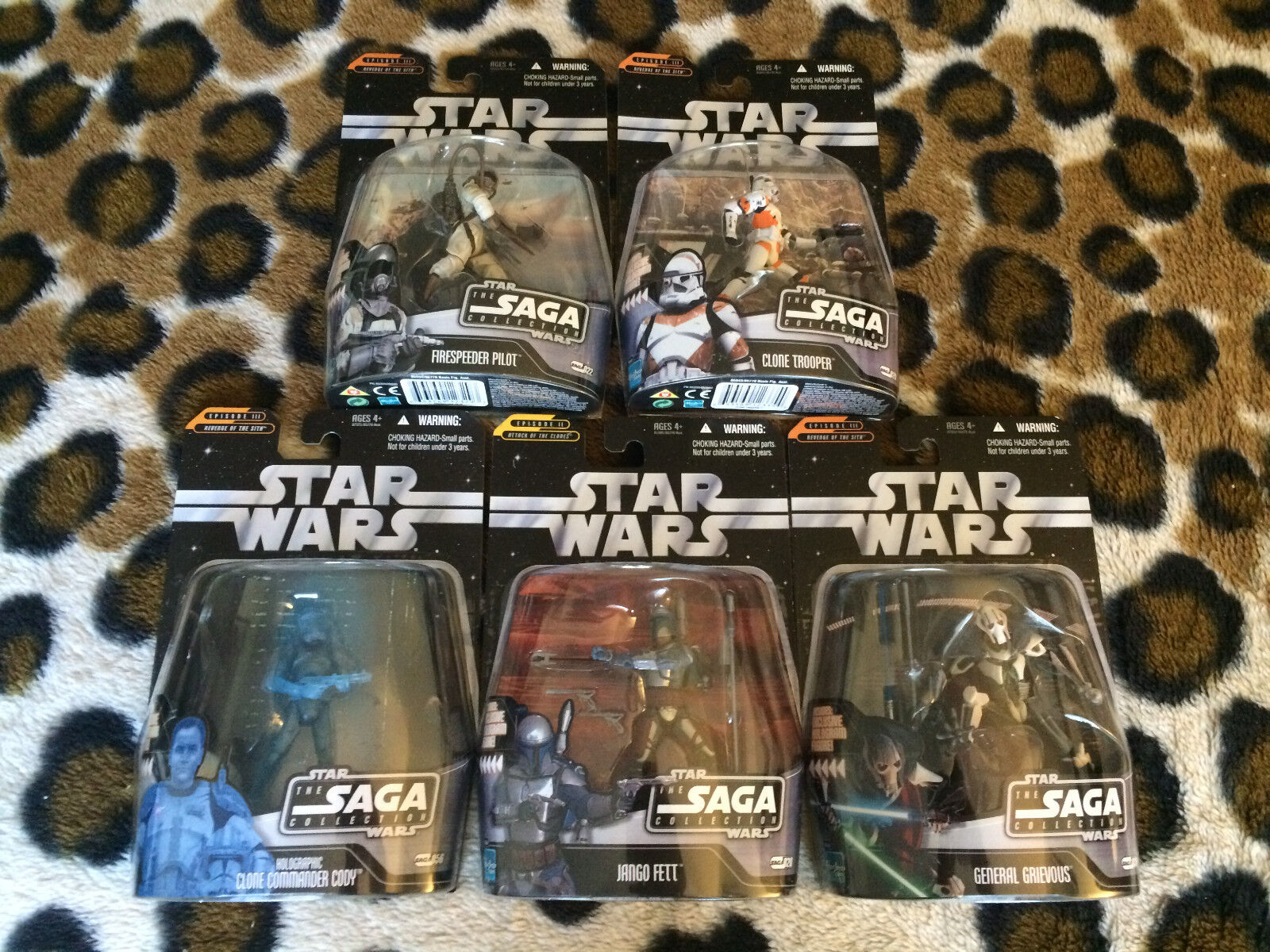 ( 1) STAR WARS THE SAGA COLLECTION LOT OF 5 NEW FIGURES holographic cody jango