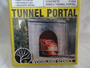 Woodland-Scenics-C1252-Tunnel-Portal-Concrete-HO-Gauge