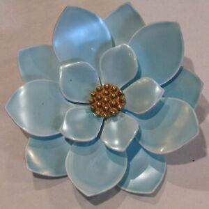 Vintage-Flower-Power-Brooch-RETRO-Enamel-Metal-Light-Blue-Iridescent-2-5-034