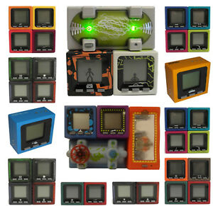 Radica CUBE WORLD * Series 1, 2, 3, 4 & 5 cubes * Max UK p&p £ 2.99/Order * Très bon état  </span>