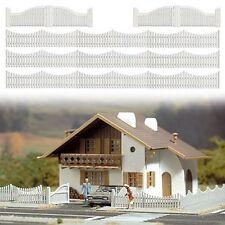 Busch 6009 White Garden Fencing with Gates 100cm - HO/00 Gauge - 1st Post