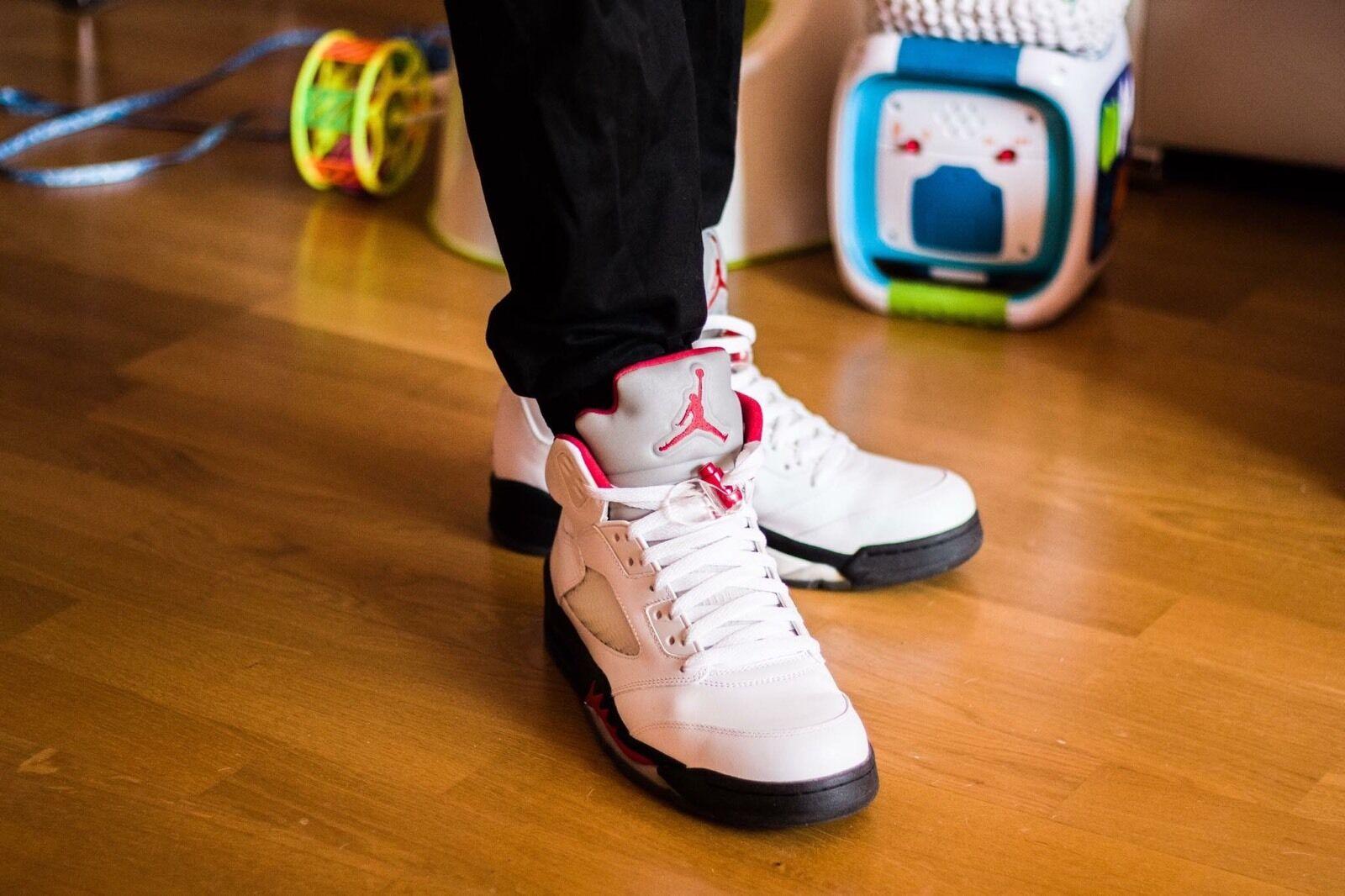Air Jordan 5 Retro OG Black Tong DS Size 8;  9,5; 10,5( 41,43, 44,5 )