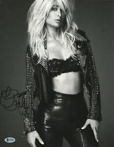PARIS-HILTON-SIGNED-11X14-PHOTO-AUTOGRAPH-LEATHER-LACE-BAS-BECKETT-COA