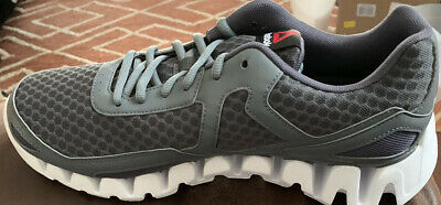Running Shoes/Sneakers Size