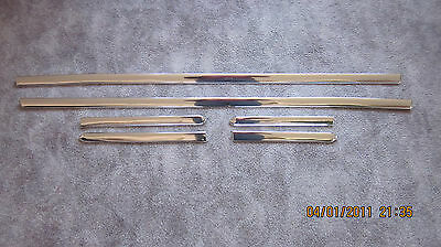 1968 camaro R/S rocker molding set with clips