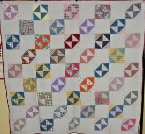 BRIGHT-1920s-HOURGLASS-ANTIQUE-QUILT