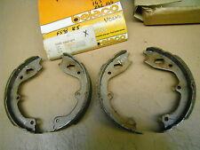 LAND ROVER 90//110 Handbrake Shoes Set 2.3 2.3D 84 to 87 Hand Brake Parking QH