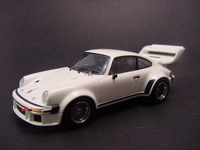 Porsche 934 5 Grand Aile 1976 en Blanc par Kyosho Ky3-03174w