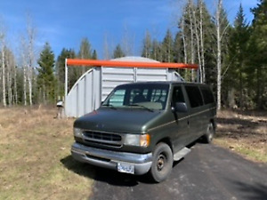 2002 ford mobility van with wheel chair lift! 177,000 km on it!