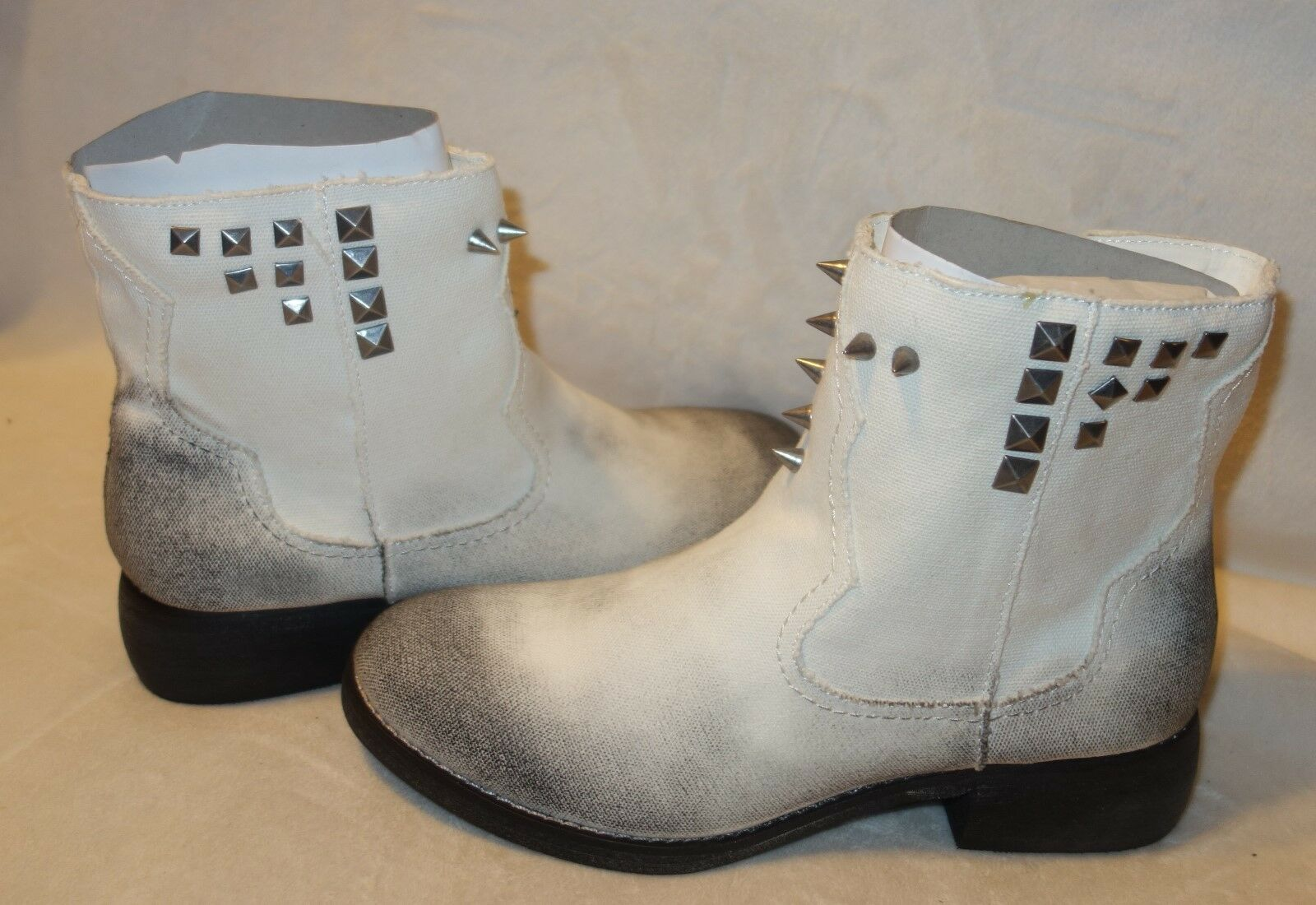 C label BOOTS Cathy STUDDED SHOES  SZ 8 NEW