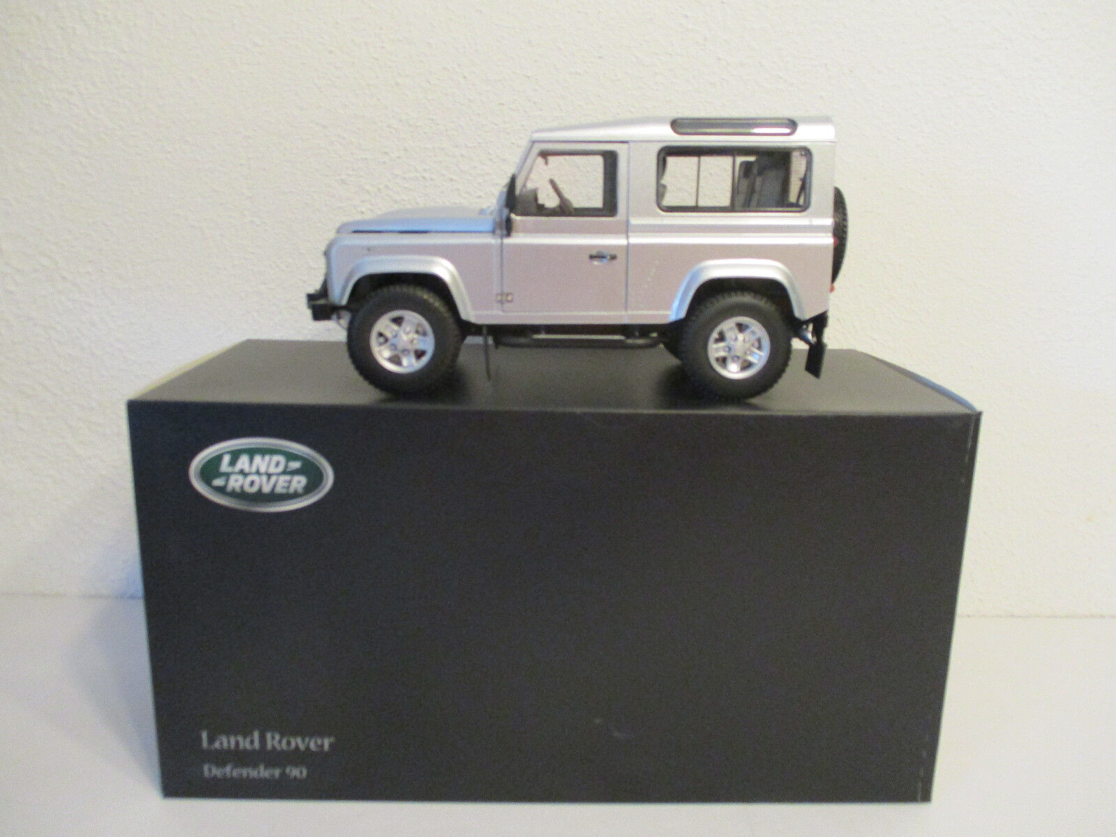 (Gol) 1 18 Kyosho Land Rover Defender 90 Nouveau neuf dans sa boîte