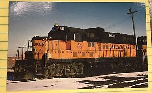 THE MILWAUKEE ROAD, Road #950 Faux GP20, LOCOMOTIVE, 4 x 6, VERY NICE