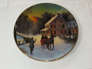 Home-for-the-Holidays-1988-Christmas-Plate-Porcelain-22-k-gold-trim-Avon-Plate