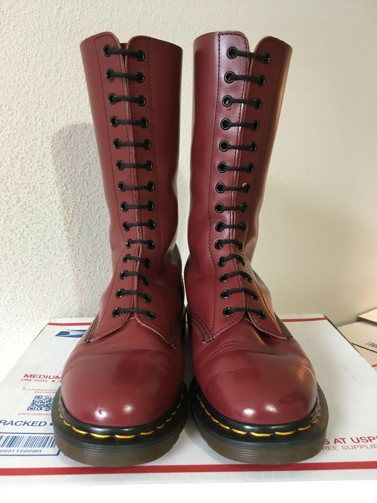 90s Vintage Dr Martens 9 boots ENGLAND mie 14-eye oxblood 1914 cherry red quilon