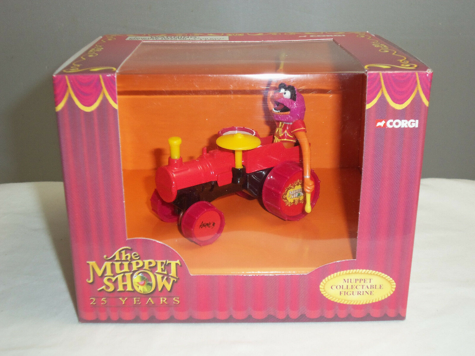 CORGI CC06604 JIM HENSON MUPPETS ANIMAL FIGURE IN DIECAST MODEL RED STEAM ENGINE