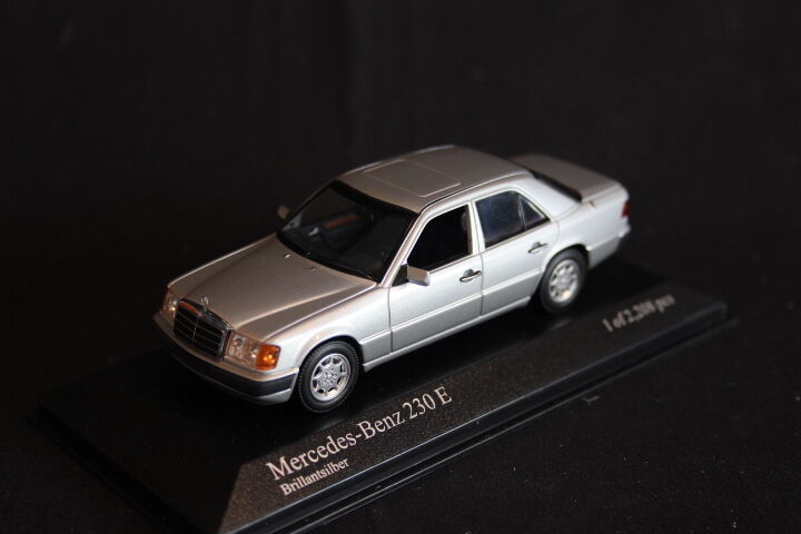 Minichamps Mercedes-Benz 230 E 1990 1 43 Brillantargentt (JS)