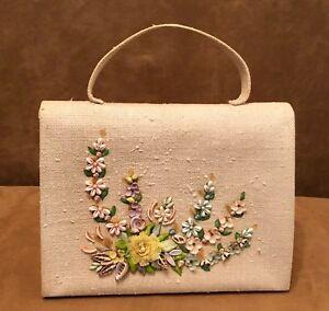Sea-Shell-Purse-vintage-novelty-bag-ivory-fabric-beach-1960s-womens-flowers