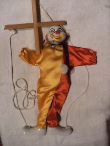Marionnette Clown A Fils Tete Et Pieds En Porcelaine
