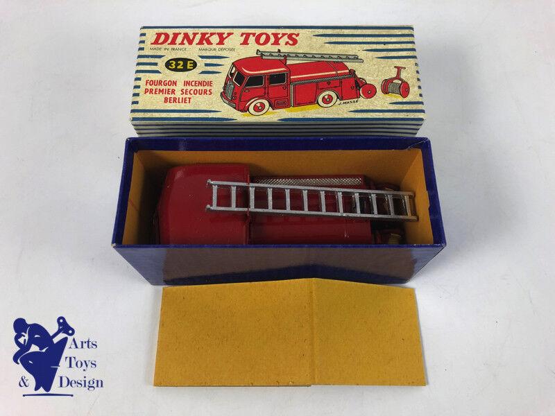 JOUET ANCIEN DINKY SpielzeugS FRANCE 32E CAMION BERLIET POMPIERS AVEC BOITE ET CALE