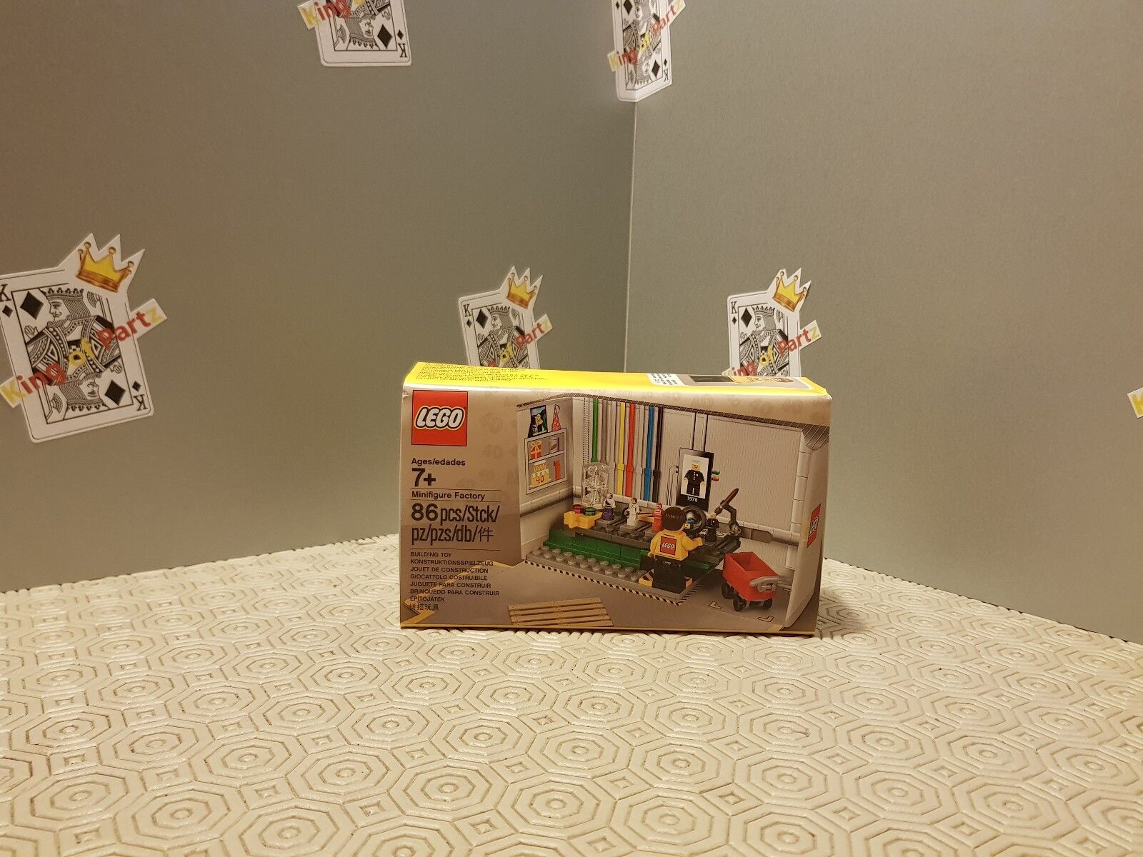 LEGO 5005358 MINIFIGURE FACTORY EXCLUSIVE NEW AND SEALED