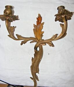 ANTIQUE-ORMOLU-BRONZE-ACANTHUS-LEAF-WALL-SCONCE-CANDLE-HOLDER-2-ARM-15-034