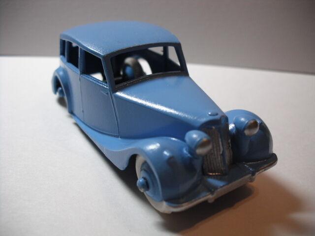 Dinky  40B Triumph 1800 Berline 1949-54 - re hors restauré rare plaque