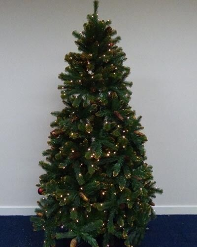 195cm 6 5ft Pre Lit Green Christmas Tree With Gold Glitter Tips 400 Leds