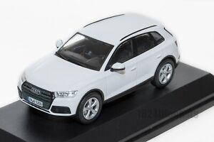AUDI-Q5-Blanco-oficial-concesionario-de-Audi-Modelo-Escala-1-43-regalo-de-coche
