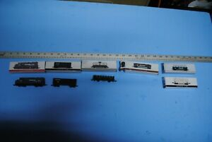 High-Speed-Southern-Pacific-SP-Locomotives-amp-Cars-Lot-of-9-Plastic-for-display