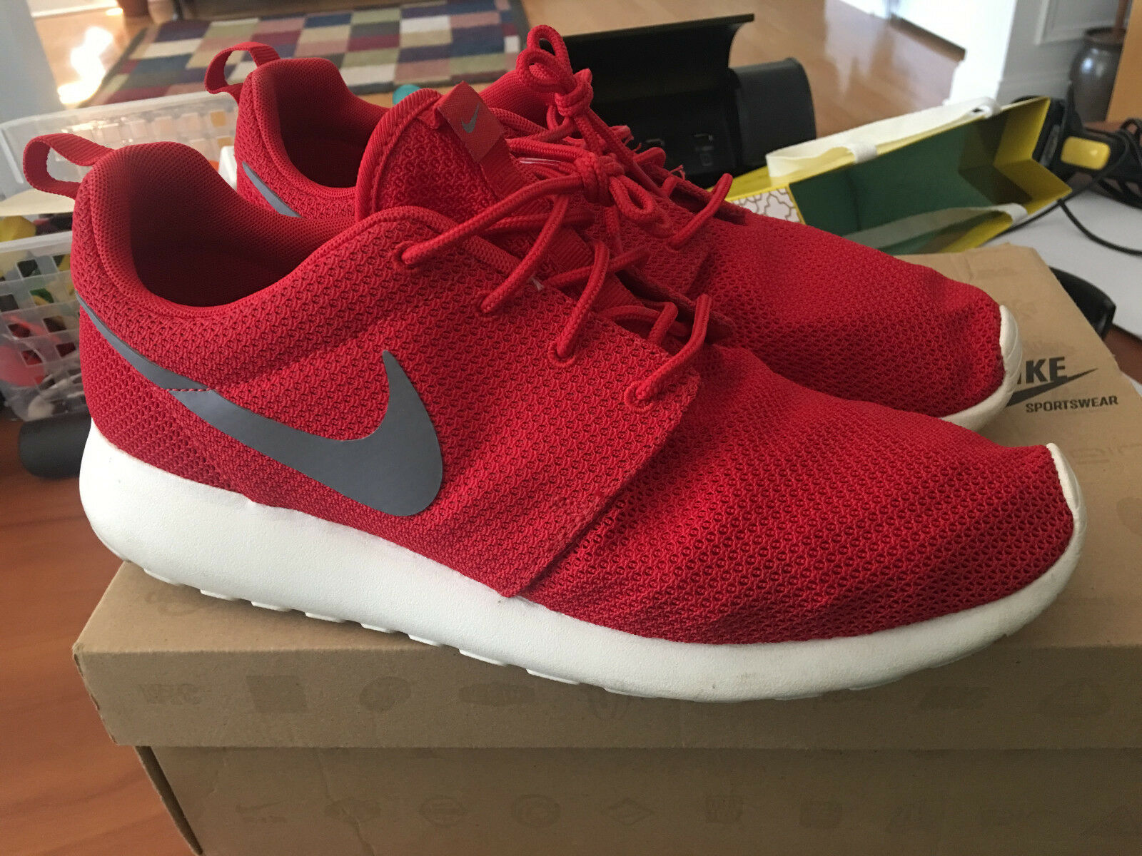 NIKE ROSHERUN MENS SIZE 10 511881-201 RED SHOES