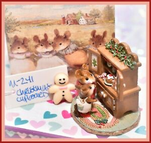 Wee-Forest-Folk-Christmas-Cupboard-M-241-Retired-Holiday-Mother-Baby-WFF
