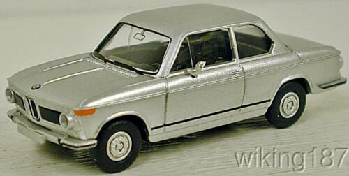 Wiking NEW HO 1//87 scale 1970/'s era BMW 2002 car in silver finish