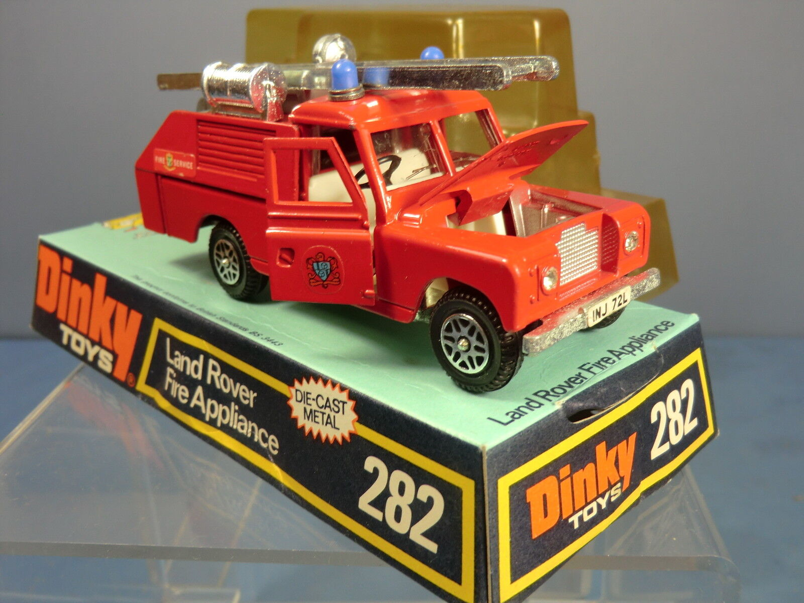 DINKY TOYS MODEL No.282  LAND ROVER FIRE APPLIANCE   MIB