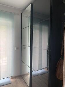 PAX KLEIDERSCHRANK IIKEA weiß Höhe ca. 235 cm, Länge ca. 150