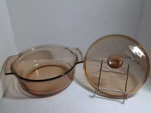 Anchor-hocking-2-quart-Amber-glass-casserole-dish-1438-ribbed-bottom-w-lid