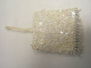 Vintage-White-LaRegale-Beaded-Purse-w-Cloth-Handle-6-1-4-034-x-6-1-4-034-GUC