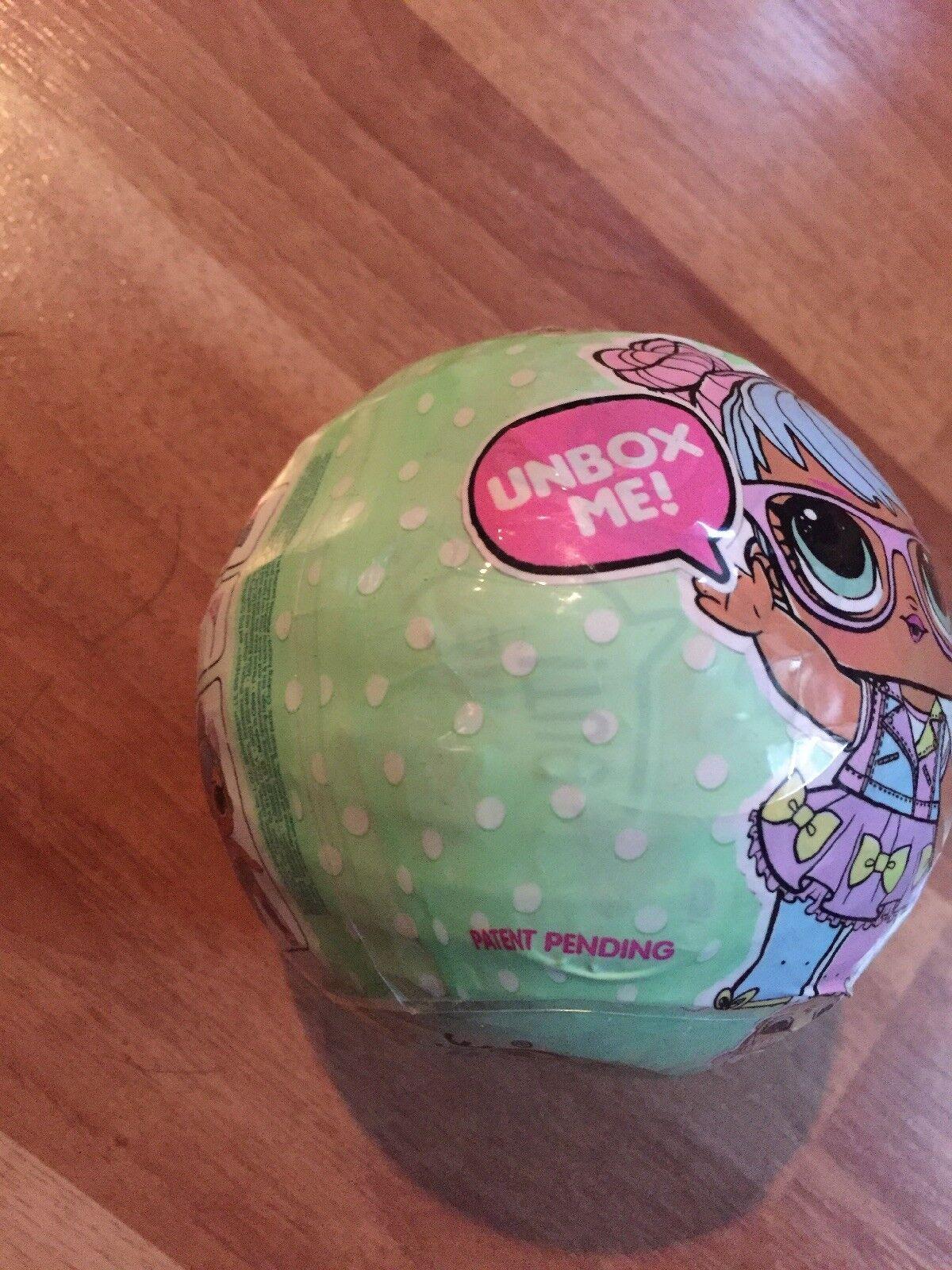 2017 Muñeca lol serie 2 (Bombón en frente) Ball 'Unbox me'   46217WFE  1 Bola