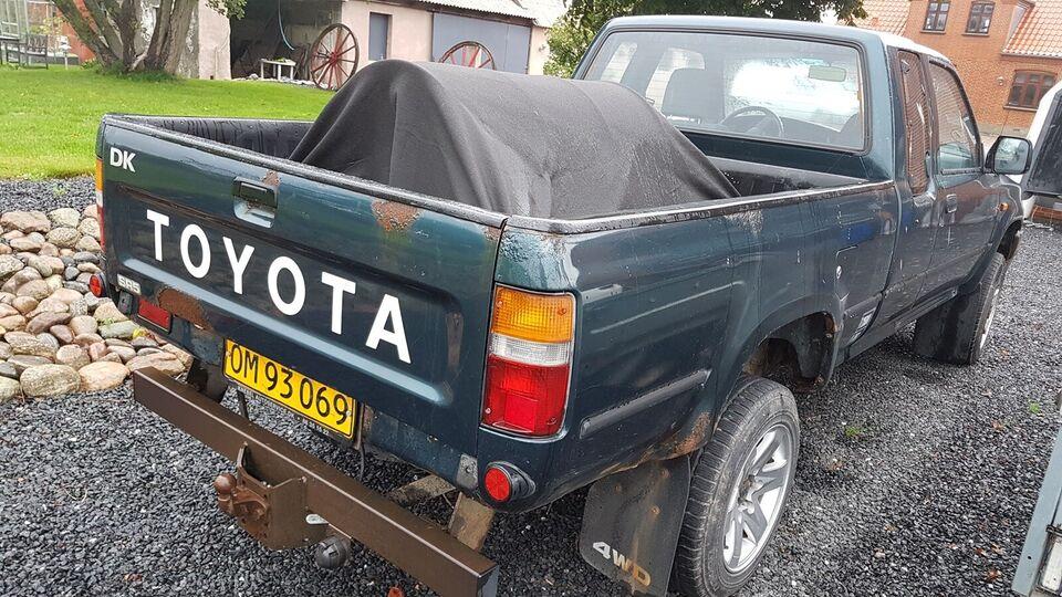 Toyota, HiLux, 2,4 D 4x4 Pick-up X-Cab