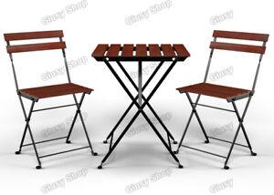 Dettagli su Set Tavolo + 2 sedie da casa giardino campeggio in acciaio e legno di acacia