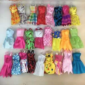 10-vetements-de-robes-Barbie-Doll-Bundle-vendeur-Britannique