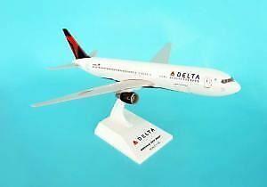 SKR330 Skymarks Delta 767 -300 1 150 2007 modellllerlerl Airplan