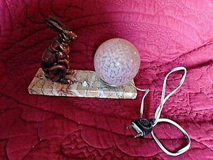 Ancienne-lampe-de-chevet-Lievre-art-deco-veilleuse-boule-rose-verre-mouchete