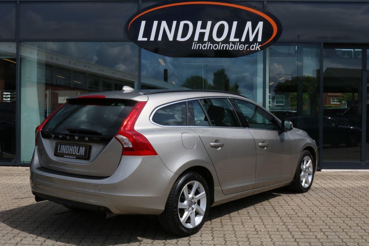 Volvo V60 1,6 T3 150 Momentum