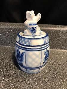 RARE-Hand-painted-Russian-Blue-White-PORCELAIN-HONEY-JAR-Bear-Lid-Artist-Signed