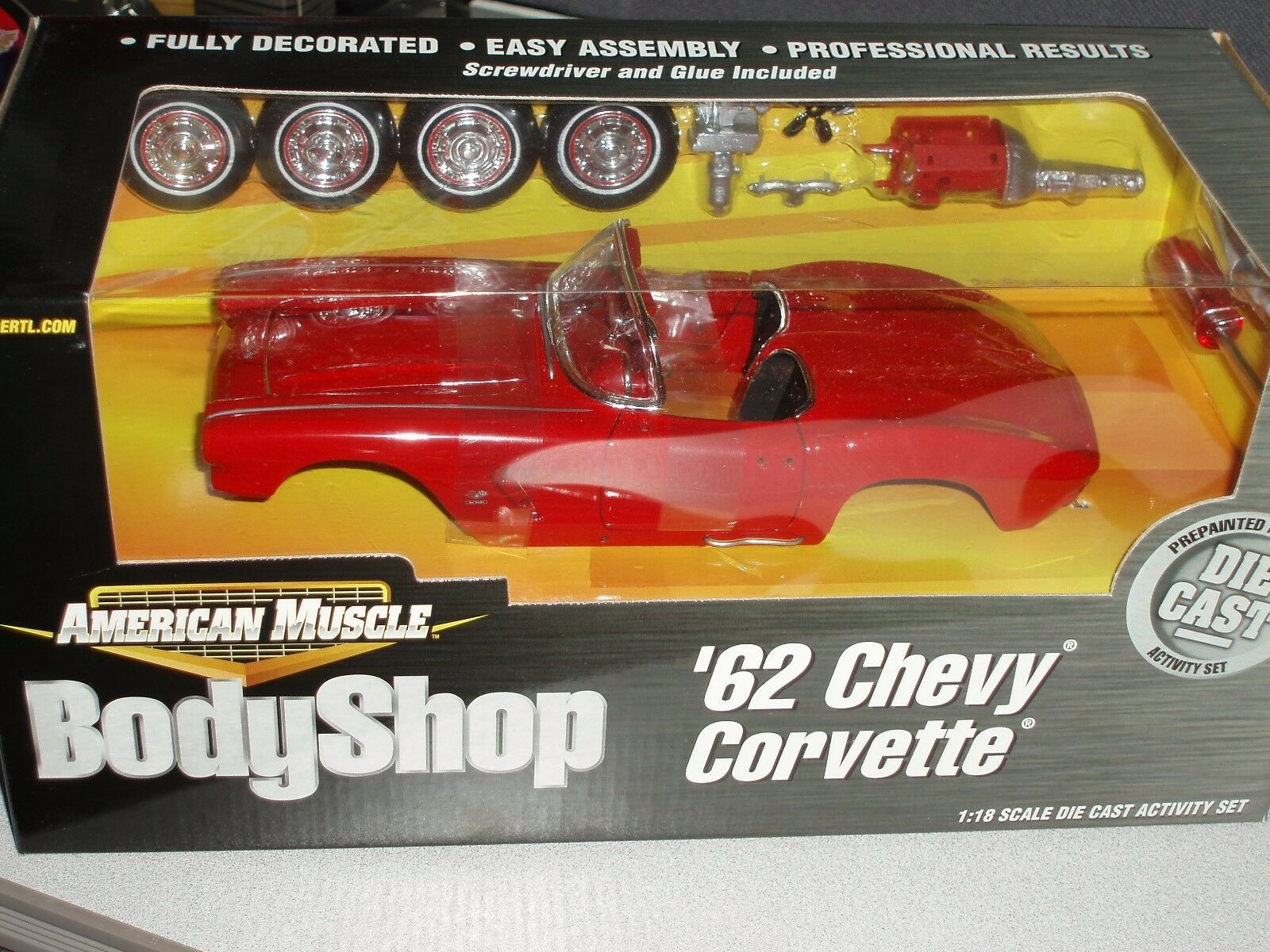 Ertl 1962 chevy corvette rote autowerkstatt versammlung modell - 1   18 vhtf