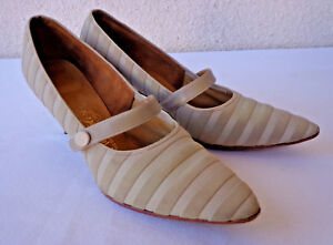 4d8a1cbb2cfe5 Details about Vintage 1950s Suede & Leather PUMPS Kitten Heels Taupe Tan  Shoes Naturalizer 8AA